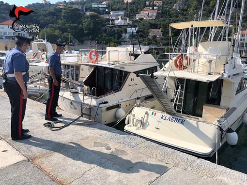 Finale Ligure, sorpresi mentre rubano all'interno di una barca: arrestati dai carabinieri