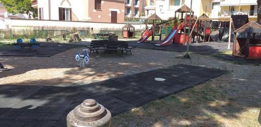 """Celle, segnalazioni dei cittadini per l'incuria del parco giochi dei Piani. La minoranza: """"Amministrazione assente sulla manutenzione"""""""