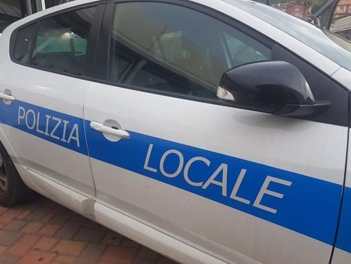 Savona, senza mascherina in piazza Sisto: sanzionato dalla polizia locale
