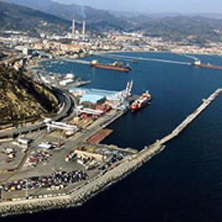 """I lavoratori del porto di Savona e Vado: """"Dichiariamo lo stato di agitazione"""""""