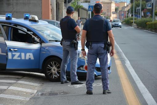 Controlli della Polizia di Stato a Savona: identificate persone e veicoli