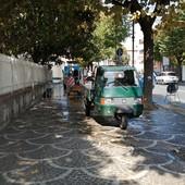 Albenga, guasto del tubo dell'acqua tra via Pontelungo e via Dalmazia, interventi di ripristino in corso