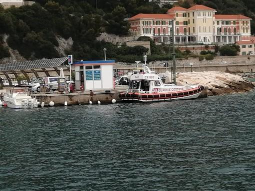 Finale, cadavere recuperato in mare a Capo Caprazoppa: disposta l'autopsia