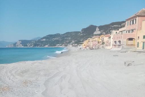 Spiagge libere, dalla sanificazione all'app per gestire gli accessi: ecco le linee guida dell'Anci