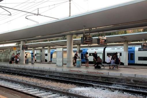 Savona, si mostra nudo in stazione a due donne: italiano condannato a 10 mesi
