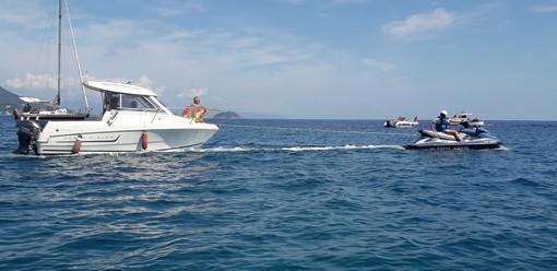 Alassio, la Squadra Nautica della Polizia di Stato soccorre due imbarcazioni in difficoltà (FOTO)