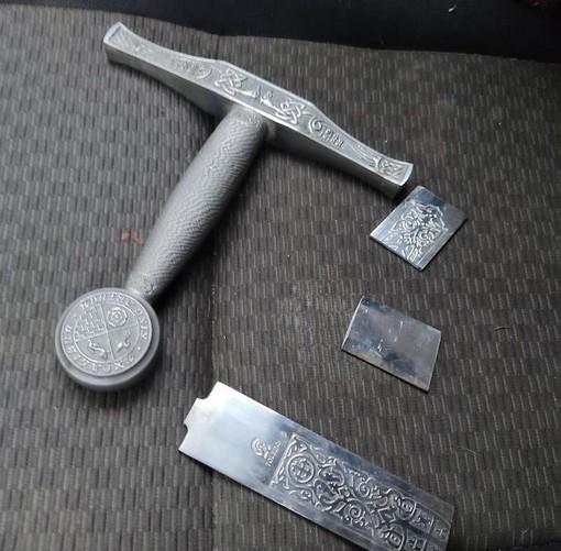 Murialdo, danneggiata la spada nella roccia: la denuncia via social (FOTO)
