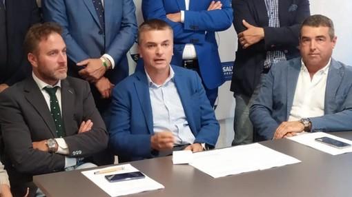 """Piana e Senarega (Lega): """"Regolarizzare 600mila migranti è pura follia"""""""