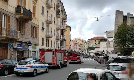 Savona, malore in casa in via Luigi Corsi: intervento dei Vigili del Fuoco