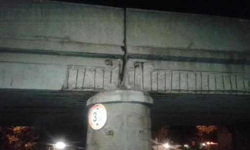 """Albenga, l'allarme dei Cittadini Stanchi: """"Sta cedendo uno dei nostri ponti ferroviari"""""""