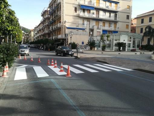 Alassio, al via il ridisegno della segnaletica stradale: attraversamenti pedonali 3D in via Dante