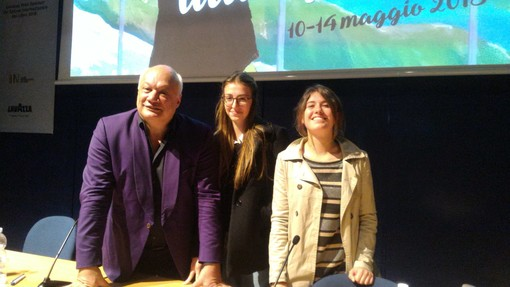 """Savona, due studentesse del liceo Della Rovere aderiscono al progetto """"Liste Goncourt –Le choix de l'Italie"""" (VIDEO)"""