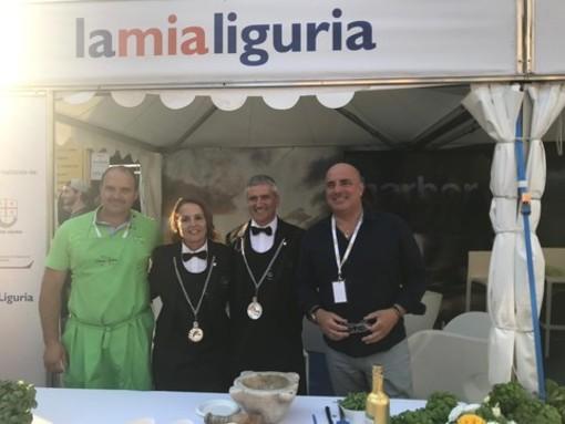 Pesto e focaccia abbracciano Barolo e il Piemonte: la Regione Liguria al festival Collisioni