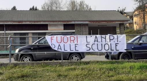 """""""Fuori l'Anpi dalle scuole"""": lo striscione affisso da ignoti nella notte a Vispa (FOTO)"""