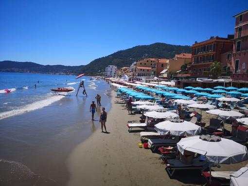 La spiaggia di Alassio è tra le più apprezzate dai turisti in arrivo dalla Costa Azzurra