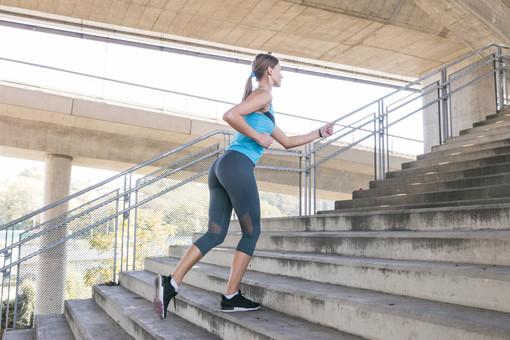 """Alla scoperta dello """"stair climbing"""". In forma salendo le scale con Fab SMS"""