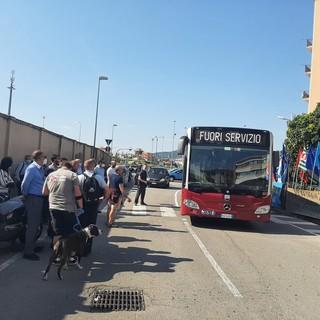 Savona, confermato lo sciopero dei lavoratori Tpl il 19 luglio: braccia incrociate in piazza Sisto