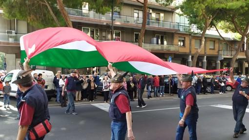 """Savona, è il giorno della sfilata di massa delle """"penne nere"""" (FOTO E VIDEO)"""