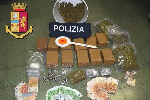 Savona, i poliziotti della Squadra Mobile sequestrano oltre 15 kg di droga: due arresti