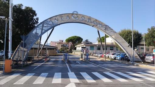"""Il Consiglio comunale pietrese """"chiama"""" Toti: """"Illustri le intenzioni sul futuro del Santa Corona"""""""