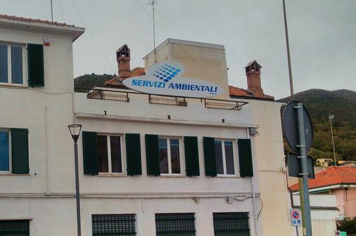 """I sindaci della Val Maremola e di Borgio contro Servizi Ambientali: """"Mai più alle riunioni senza chiarezza sul collettamento al depuratore"""""""