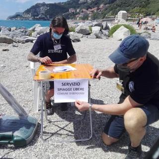 """A Bergeggi parte la fase """"spiagge sicure"""": ingressi vigilati e contingentati nei weekend e test sierologici sui bagnini"""
