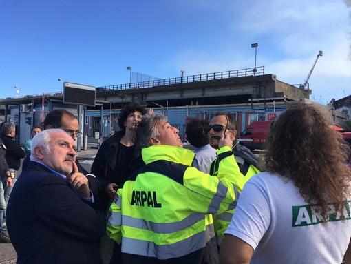 """Incendio Autorità Portuale a Savona, Giampedrone: """"Tecnici Arpal al lavoro per analizzare direzione vento e eventuali ricadute"""""""