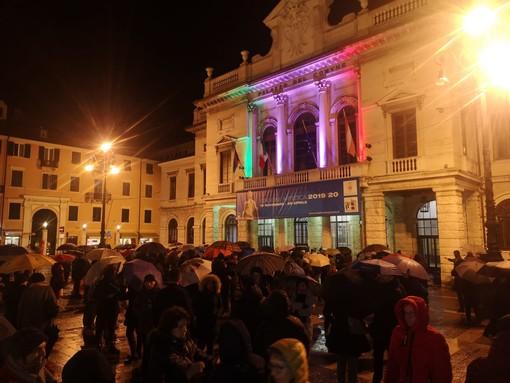 Il flash mob delle Sardine in piazza Sisto il 23 gennaio 2020