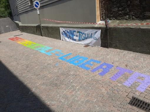 """Stella, le Sardine replicano alla minoranza: """"Scritta che abbellisce il paesaggio e porta un messaggio di pace e solidarietà"""""""