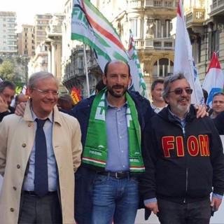 """Fiom-Cgil, Fim-Cisl e Uil Liguria: """"Piaggio Aerospace chiede di rimanere aperta. Più importanti i P180 della salute dei lavoratori?"""""""