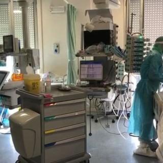 """Coronavirus e Fase 3, il primario di terapia intensiva di Savona Brunetto: """"Qualche caso arriverà in ospedale, ma l'estate dovrebbe scorrere tranquilla"""""""