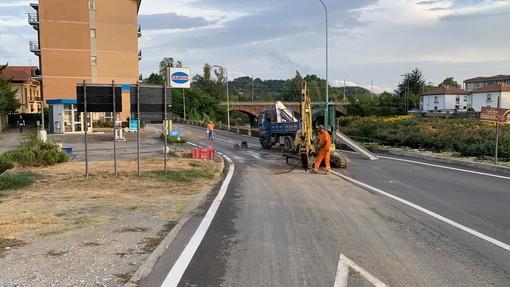 """Cairo, si rompe un tubo dell'acquedotto in zona ponte """"Italia 61"""": strada allagata e case senza acqua corrente (FOTO e VIDEO)"""