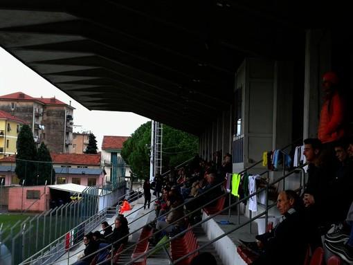 Imperia: in occasione della partita di domenica con l'Albenga, vietata la somministrazione e la vendita di bevande alcoliche e analcoliche in contenitori di vetro