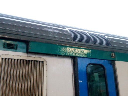Disagi al traffico ferroviario: treno per Torino fermato in stazione a Savona