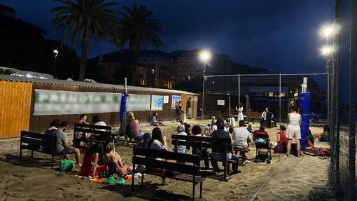 Arte e pedagogia si mischiano in riva al mare a Finale col teatro per i più piccoli