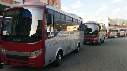 Liti e disordini sul bus Tpl: il mezzo costretto a fermarsi ad Altare, identificati 5 cittadini gambiani
