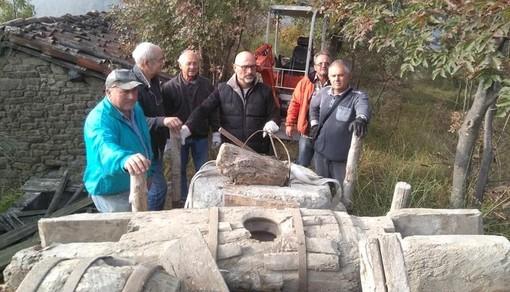 Dego, recuperato un torchio per olio di noci usato 200 anni fa (FOTO)
