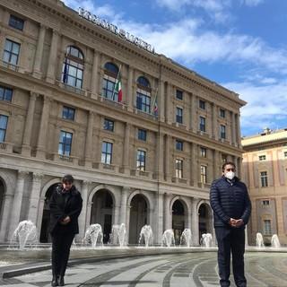 Coronavirus, il presidente Toti osserva un minuto di silenzio per ricordare le vittime