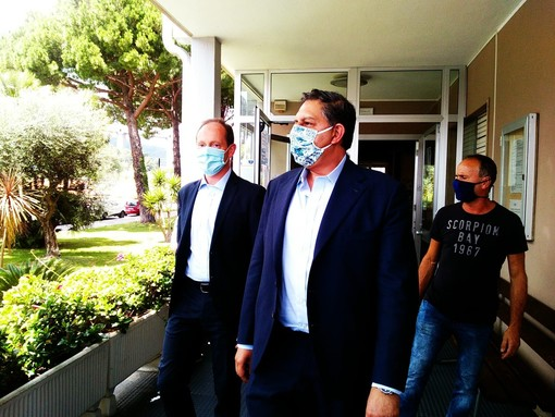 Parte da Andora la visita del presidente Toti nel ponente savonese: infrastutture al centro del summit in Comune (FOTO e VIDEO)