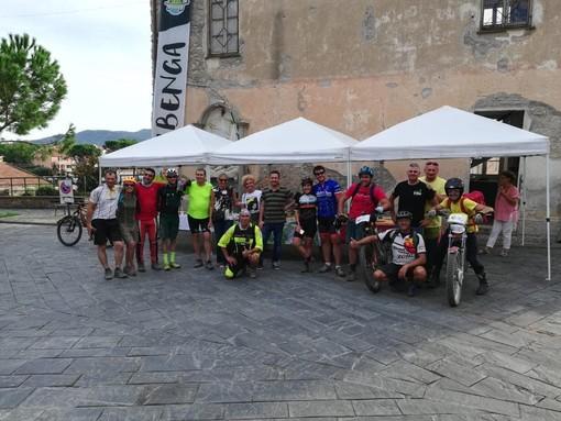 Albenga: le aziende del territorio accolgono il Tour delle Torri Saracene offrendo agli e-bikers i prodotti tipici della zona