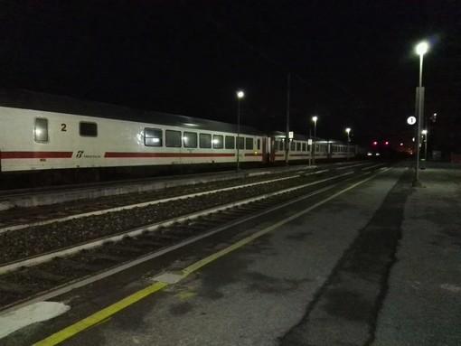 Circolazione ferroviaria sospesa tra Genova e Sestri Levante. Rallentamenti tra Savona e Ventimiglia