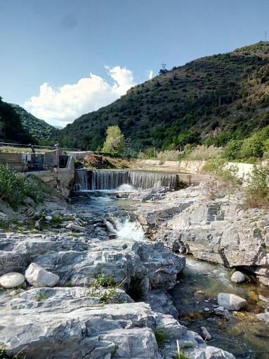 Pulizia del torrente Neva per prevenire le alluvioni e tutelare l'incolumità pubblica