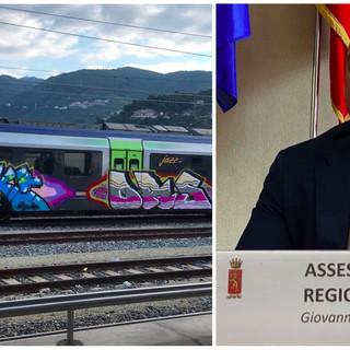 """Graffiti su un treno Jazz, l'assessore regionale Berrino contro il writer: """"Sei poco artista e molto c..."""""""