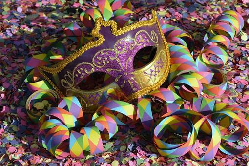 Fuochi d'artificio, sport, cultura, Carnevale e il ricordo di Pertini nel fine settimana savonese