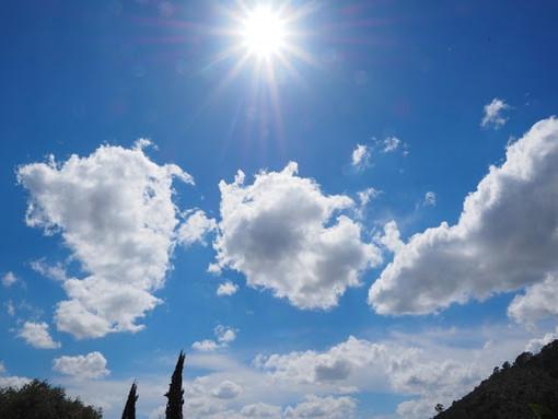 Meteo: schiarite sul centro e ponente, qualche nuvola a levante