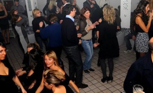 Laigueglia: l'epopea musicale degli anni 70 e 80 rivive alla discoteca Up!