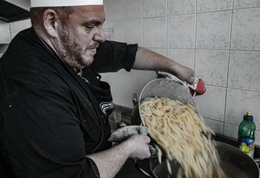 Savona, la Comunità di don Benzi nelle piazze, una risposta concreta per le nuove povertà post Covid-19