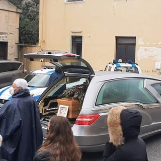 """Vado, sulle note di """"A te"""" di Jovanotti l'ultimo commosso saluto a Denada Nerjaku (FOTO e VIDEO)"""