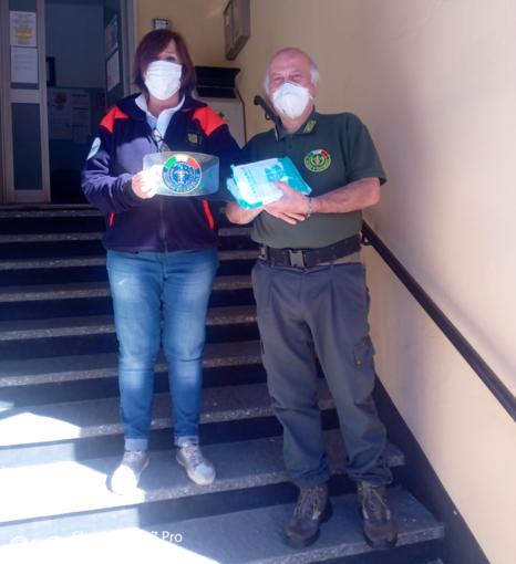 """La Croce Verde di Finalborgo dona mascherine all'associazione """"Fare Ambiente-Laboratorio Verde Savona"""""""