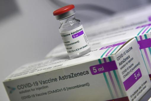 """Vaccini, Toti: """"Scetticismo tra i giovani? Comprensibile visto il pasticcio fatto con AstraZeneca"""""""